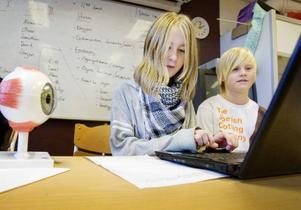 Tävlingen ingår i elevens val som eleverna frivilligt kan välja att delta i. Klara-Maria tycker att tävlingen är utvecklande.–Det har varit roligt att bygga roboten, men också att träffa nya personer från de andra klasserna, säger hon.– Det är roligt eftersom det är ett friare ämne, säger Felix Andersson.