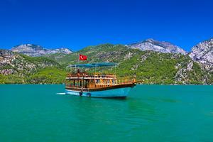 Svenskar fortsätter att resa till Turkiet. Och många väljer en aktiv semester där.