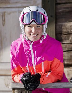Vera Håkansson-Fermbäck, Vemdalens Alpina, siktar på VM i Åre 2019. Ett första delmål är nått då hon kommit med i juniorlandslaget den här säsongen.