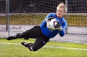 Framtidsmålvakt. Jessica Höglander har deklarerat att hon lämnar Gideonsbergs IF. Flera allsvenska klubbar jagar nu den talangfulla målvakten. Foto: Rune Jensen/arkiv