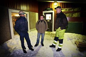 Johannes Karlsson, Lars Jensen och Daniel Lärkert kallar till ett stormöte med länets Milkobönder. De vill få chansen till en öppen diskussion om framtiden för bönderna inom Milko.