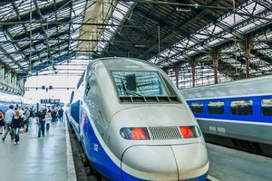 Nu kan man åka snabbtåg i Paris, men till en billigare penning.