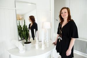 Som 10-åring kunde Linda Kristmansson möblera om en gång i veckan. Inredning ligger fortfarande varmt om hjärtat.