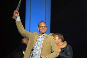 TV4:s Parlamentet fick Kristallen för bästa humorprogram. Programledaren Anders S Nilsson tog emot priset.