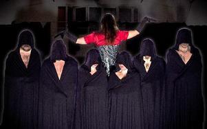 Den lokala gruppen Flesh Dance låter kåporna falla på Kulturhuset i Vansbro i helgen. FOTO: JOAKIM GUDMUNDS