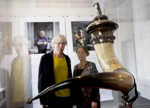 Konstnärerna Janne Björkman och Maria Sundström har arbetat med Qvistska samlingen.