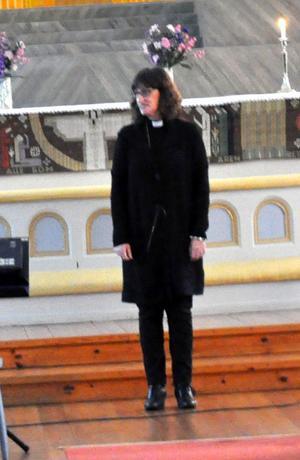 Kyrkoherden Susanne Håkansson hoppades att eleverna skulle sprida lite vänlighet under julen.