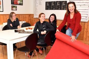 Caroline Smitmanis Smids, utvecklingschef Mora kommun, Pernilla Matsson, Företagarna Mora, Sarah Larsson, anläggningschef Moraparken och Camilla Collett, Mora köpstad planerade inför galakvällen den 5 november.
