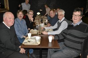 Återträff. I Restaurang Stenkullen, som var Klaessons tidigare lunchrum, uppstod en spontan återträff för Klaessons-anställda. Jan Bodare, Jan Gustavsson, Marita Eriksson, Tommy Eriksson, Sven Åke Samuelsson och Gunnar Söderberg hade mycket att prata om.