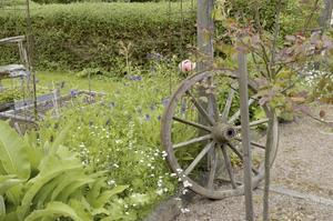 Fantasi. Ramona både hittar på egna idéer och snor andras idéer till sin trädgård.
