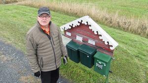 – Vi finns inte i Östersunds kommuns hantering när vi ligger under Föllinge postnummerområde. I och med att vi har Föllinge som postort tillhör vi Krokoms kommun, förklarar Carl-Göran Dahlberg i Storbränna.