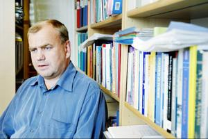 """""""Det är ett unikt val. Man kan också säga att det här valet är ganska likt det förra"""", säger Ingemar Wörlund, professor i statsvetenskap på Mittuniversitetet."""