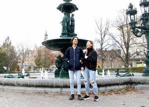 Dzevat Milovanovic, 17 år, har 758000 följare på sitt Instagramkonto @cohmedy. Han siktar på att bli större än Zara Larsson, som nyligen passerade en miljon följare på den populära bildappen. Klasskompisen Minna Werner är en av följarna.