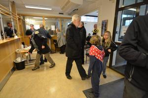 Öppet hus. En hel del besökare kom till polisen i Hallsberg under lördagen.