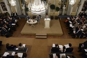 Årets Nobelpristagare i litteratur, Svetlana Aleksijevitj, höll på måndagskvällen sin Nobelföreläsning i Börssalen i Stockholm.