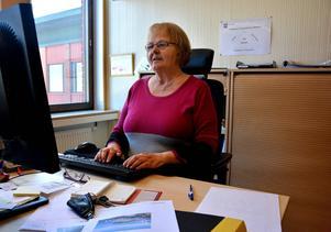 Bygg- och miljöchef Karin Wennberg berättar om nuläget gällande ingreppen kring Backetjärn.