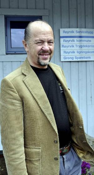 Magnar Namsvatn, kommunalråd i Röyrvik, tror att det är viktigt för turismaktörerna i gränsområdet att få ett namn som alla kan profilera sig under.Foto: Guri Övereng