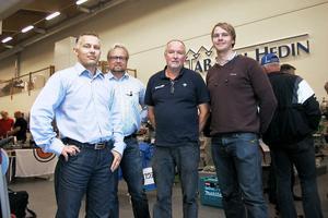 Projektansvarig Michael Hellström, marknadsföringsansvarig Stefan Forsberg och platscheferna Tommy Fällbergs, industri, och Emil Ståbi, bygg, tog emot besökarna under invigningsdagen.