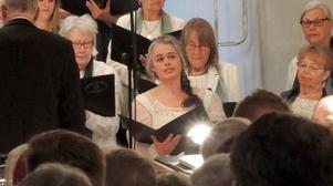Smedjebackens Maria Keohane, sopran, sjöng solo.