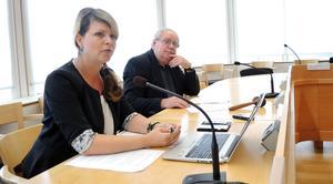 Region Dalarnas högsta ledning, direktionen, säger ja till Region Svealand. På bilden vice ordförande Sofia Jarl (C) och ordförande Leif Nilsson (S).
