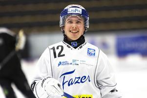 Tim Persson under Villas tisdagsträning.