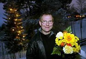 Foto: ANNAKARIN BJÖRNSTRÖM Stolt stipendiat. Mats Pousette fick årets resestipendium från Svenska kykans fritidsgårdars för sina mångåriga insatser som ungdomsledare för handikappade inom bordtennisen.
