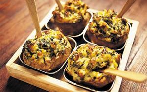 Bakad potatis när den är som bäst!