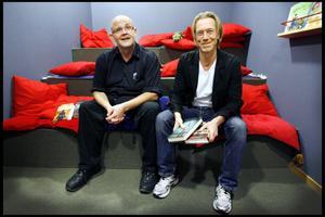 För tre år sedan besökte Börge Hellström och   Anders Roslund Andersbergs bibliotek. Det har också gått tre år sedan författarduons förra roman.