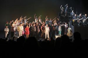 Stående ovationer för Glada Hudik-teatern efter en rörande föreställning på BAM i Brooklyn på lördagen.