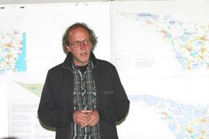 Konsulten och stadsarkitekten Sam Sandström är huvudförfattare till det 105 sidor långa tillägget om vindkraft som nu ska bifogas översiktsplane.n