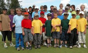 Barn och ungdomar mellan 7 och 14 år har just nu möjlighet att delta i golfskola på Gagnefs golfklubb.