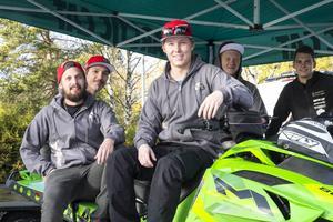 Anton Sigvardsson, Nicklas Nilsson, Patric Wickbers och Nicklas Rosén kommer ingå i Luvas freerideteam i vinter. Alexander Berglund kör skotercross och tävlar på bana.