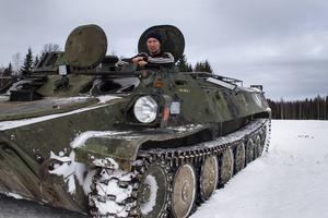 Pansarvagnen som Jesper Lysell har köpt har använts av försvaret för persontransporter i trakterna kring Boden.