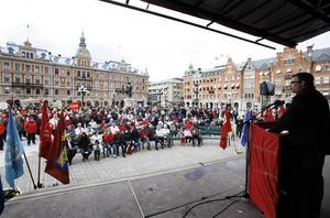 Ett första maj-firande på Stora torget i Sundsvall.