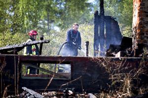 Huset höll på att renoveras och ingen bodde där vid brandtillfället.