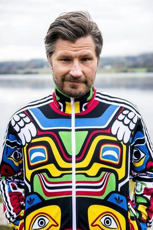 Tomas Håkki Eriksson, konstnär, föreläsare och företagare, 40 år.