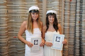 Selma Boström och Johanna Åhman fick Fredrika Bremer-premien för ett projektarbete med en multimediapresentation om anorexi nervosa.