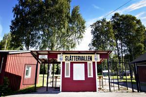 Idrottsplatsen Slåttervallen stod klar i slutet av 40-talet. Här finns klubblokal, folkpark, fotbollsplan, hockeyplan och ett gym.