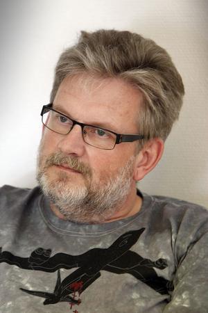 Alf Norberg kallar partiledarkandidaten Jonas Sjöstedt en lysande politiker, men ser gärna ett delat uppdrag med även Ulla Andersson i ledarduon.