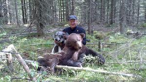 Roger Jonsson fällde den första björnen i Örnsköldsvik för säsongen.