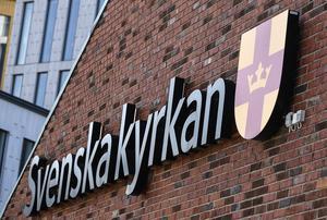 Svenska kyrkan har val på tre nivåer vart fjärde år. Men på nästan hundra platser i Sverige finns bara en enda valsedel på lokal nivå. Det problemet kommer inte att bli mindre med tiden.