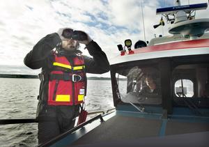 Victor Steffansson är elev och blivande sjöräddare. På dagarna jobbar han som butikssäljare.