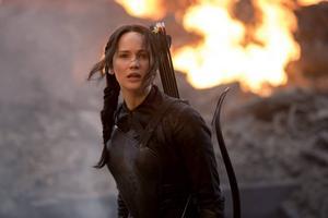 Jennifer Lawrence är tillbaka som Katniss i