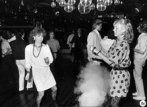 Elvis. I mitten på 1980-talet dansade det unga Västerås gärna på Elvis. Modet föreskrev båtringning, pudelfrissa och axelvaddar.