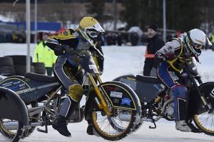 18-årige Ove Ledström (till vänster) från ÖMK Rundbana tog SM-silver men var mycket besviken.