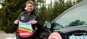 Rospiggarnas lagledare Mikael Teurnberg har tagit fram de nya västarna, som påminner om västarna från 1978.