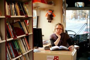 Dragare:På väg. Bibliotekarien Johanna Gällman tycker att det är berikande att se en annan sida av yrket,