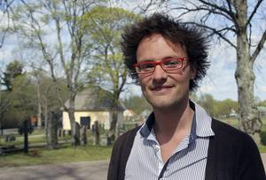 Anton Leanderson-Andréas leder kören som också framför ett av hans stycken.