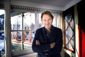 Tomas Ledin vill hellre fokusera på att det är 40 år sedan han släppte sin första skiva, än att han fyller 60 år.Foto: Jessica Gow/Scanpix