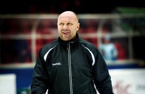 Peter Andersson blir kvar i Örebro ett år till.